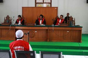 Bos Abu Tours Dituntut 20 Tahun Penjara dan Denda Rp 100 Juta