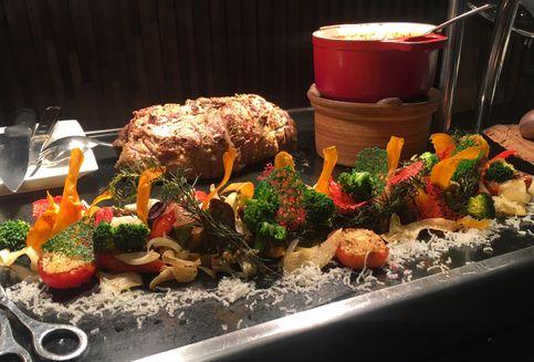 Hidangan Paskah, Lamb Roll Hingga Bollito Misto di Hotel Bintang Lima