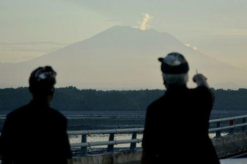 Minggu Pukul 22.14 Wita, Gunung Agung Kembali Meletus