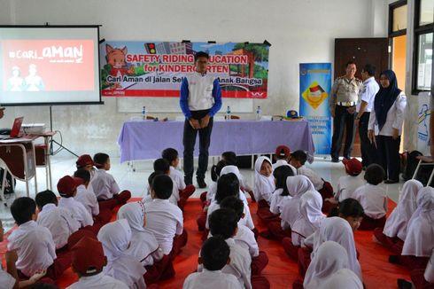 Sebarkan Etika Berlalu Lintas ke Anak Sekolah
