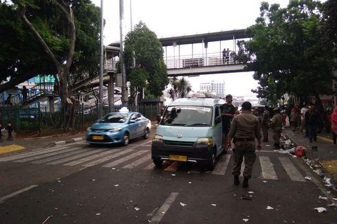 Parkir Liar dan Angkot Ngetem Dinilai Jadi Penyebab Kemacetan di Jatinegara