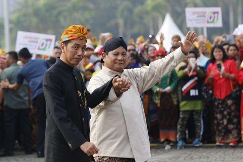 Gandeng Tangan Jokowi-Prabowo dan Kostum Romi Si