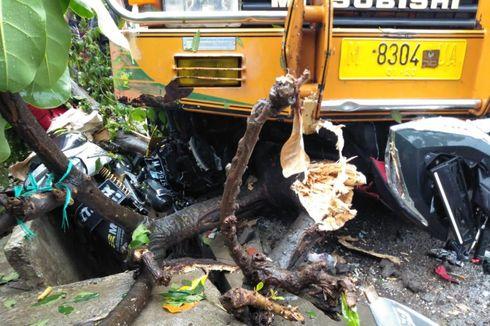 Truk Tabrak 6 Motor di Pinggir Jalan, Warga Heran Sopir Tiba-tiba Menghilang