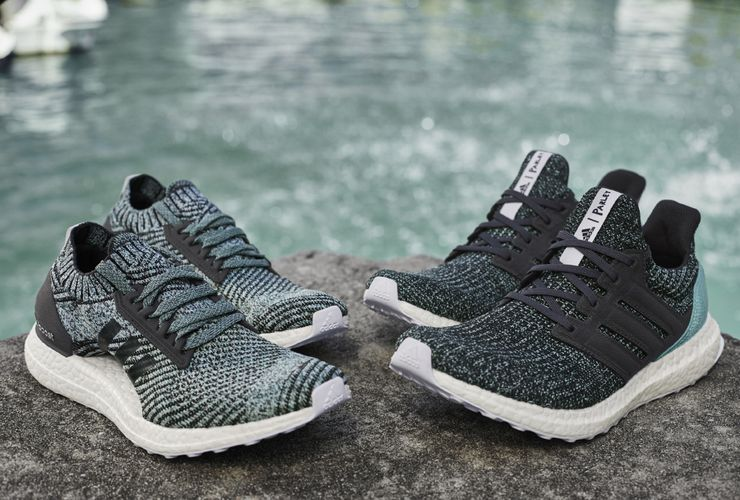 Sepatu Adidas Ini Terbuat dari 11 Botol Plastik Bekas