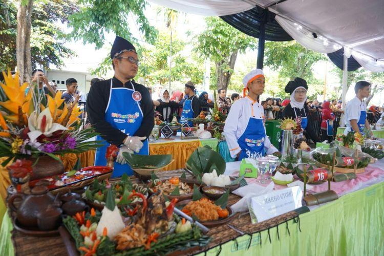 Peserta Festival Banyuwangi Kuliner, Rabu (12/4/2017).