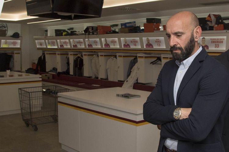 Monchi mengunjungi markas AS Roma setelah ditunjuk sebagai direktur olahraga anyar, 21 Aprili 2017.