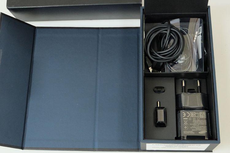 Isi box pembelian Samsung Galaxy S8