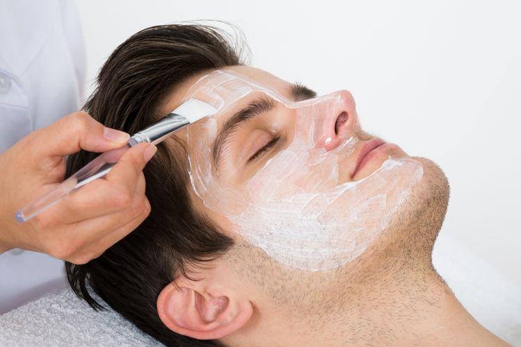 Pria juga memerlukan perawatan wajah