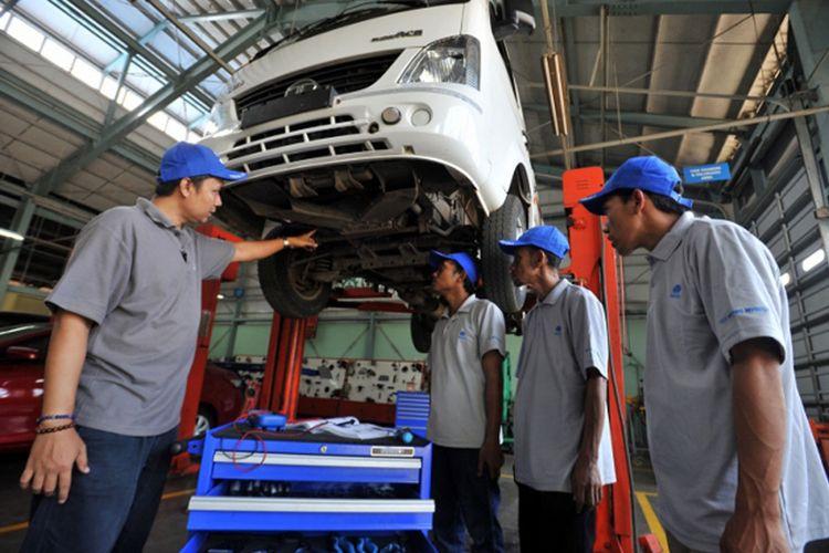 Ilustrasi servis kendaraan Tata Motors.