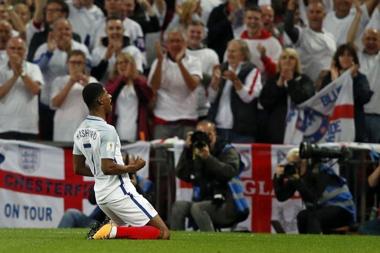 Selebrasil tim nasional Inggris, Marcus Rashford saat mencetak gol ke gawang Slowakia dalam laga matchday 8 babak Kualifikasi Piala Dunia 2018 Grup F di Stadion Wembley, London, Inggris, pada Senin (4/9/2017).