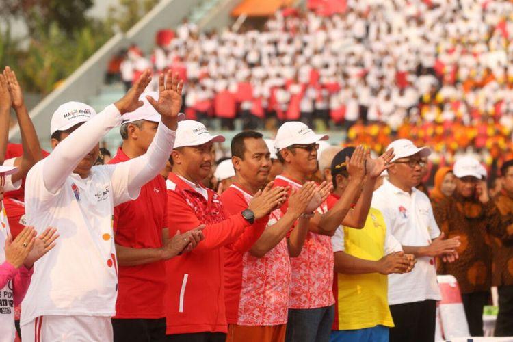Menteri Pemuda dan Olahraga Imam Nahrawi (ketiga dari kanan) menghadiri acara puncak peringatan Hari Olahraga Nasional (Haornas) di Magelang, Jawa Tengah, Sabtu (9/9/2017).