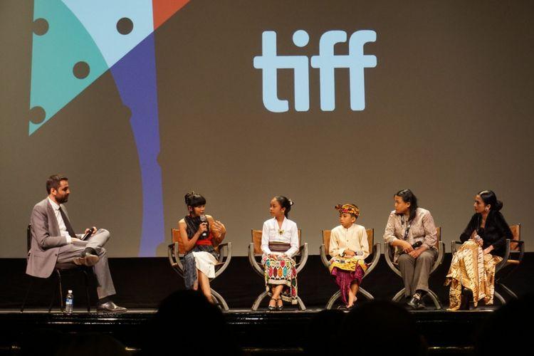 Tim film The Seen and Unseen saat di Toronto International Film Festival di Toronto, Kanada, Minggu (12/9/2017).