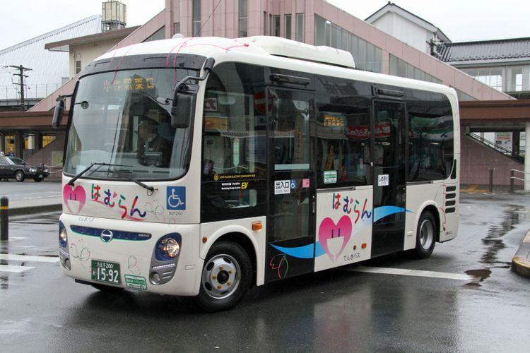Bus listrik berbasis Hino Poncho.