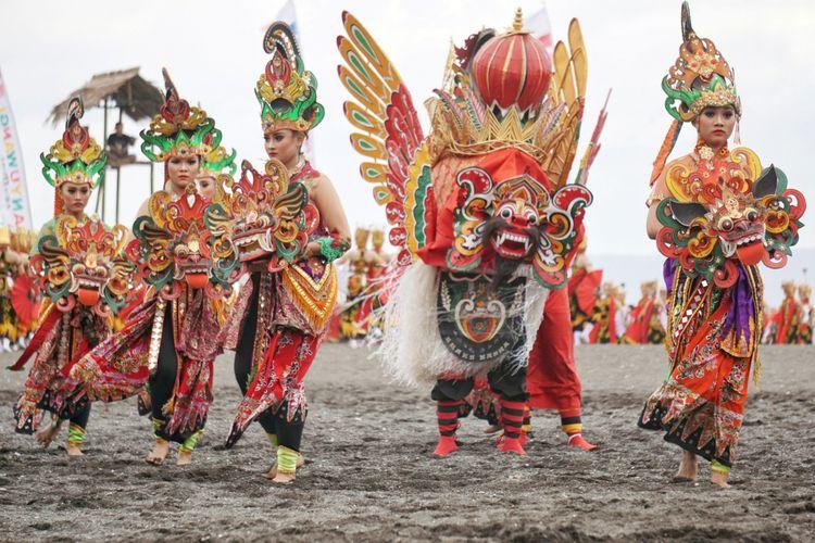 Barong dan tari Jaripah di Festival Gandrung Sewu 2017