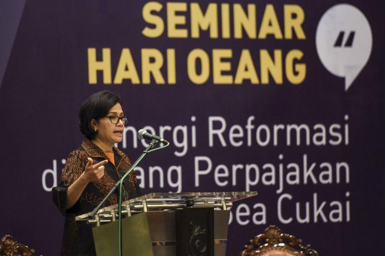 Menteri Keuangan Sri Mulyani menjadi pembicara utama dalam seminar di Kementerian Keuangan, Jakarta, Rabu (25/10).