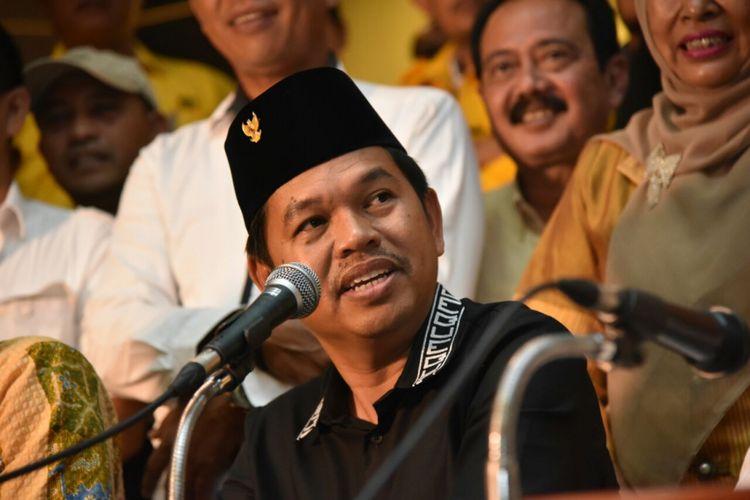 Ketua DPD Partai Golkar Jawa Barat Dedi Mulyadi saat Konferensi Pers di DPD Partai Golkar Jawa Barat, Jalan Maskumambang, Kota Bandung, Senin (6/11/2017).