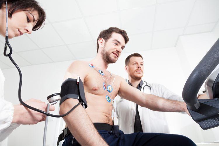 Ilustrasi mengukur tekanan darah