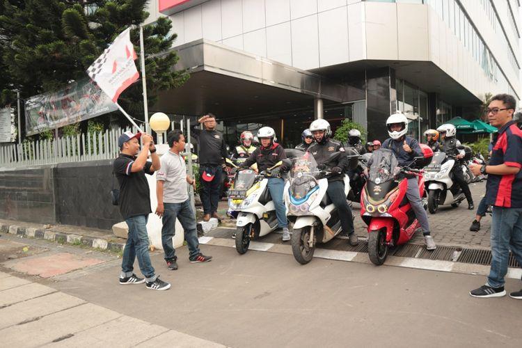 Honda PCX touring Ibu Kota.