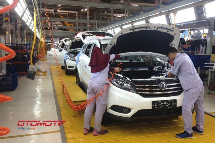 Pabrik Sokonindo Automobile di Cikande, Serang, Banten.