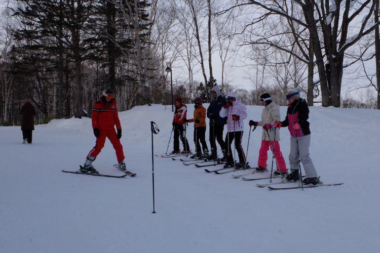 Kelas ski di Club Med Sahoro, Jepang