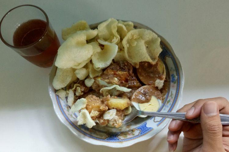 Doclang salah satu hidangan khas Bogor yang cukup sedergana, tapi menggugah selera.