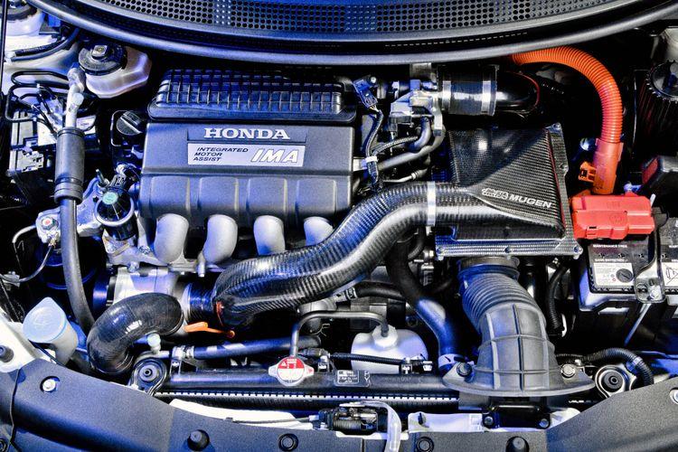 Honda CR-Z Mugen dilengkapi dengan supercharger dan punya tenaga 176 tk