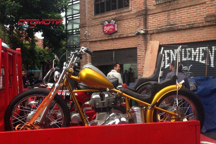 Chopper yang dibeli Presiden Joko Widodo diantar ke Istana Bogor, Sabtu (20/1