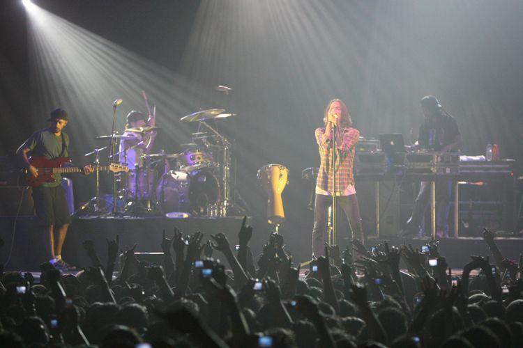 Konser grup musik rock asal Amerika Serikat ,Incubus, di tennis indoor Senayan Jakarta Rabu (5/3/2008).
