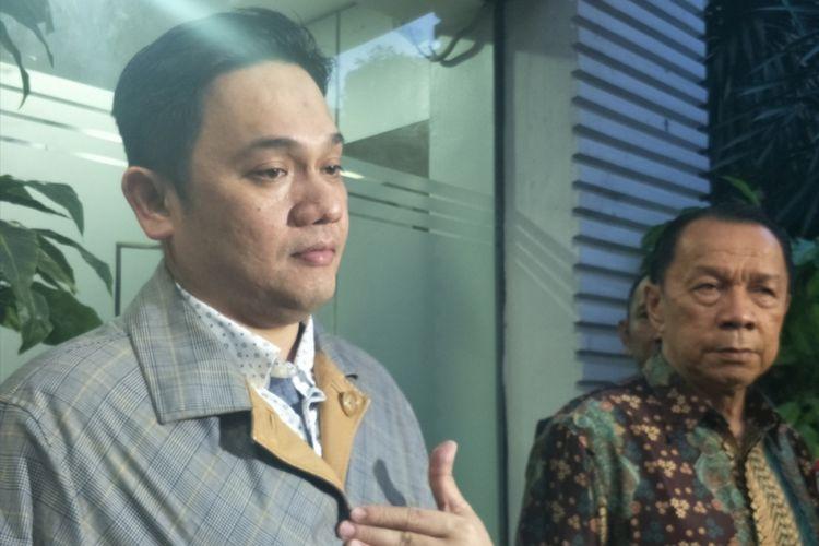 Farhat Abbas usai menjalani pemeriksaan di Dit Reskrimsus Polda Metro Jaya, Jakarta Selatan, Selasa (30/1/2018) malam.