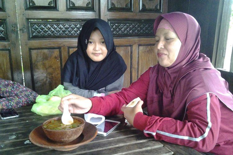 Sayur Lompong di resto kampoeng Djowo yang disukai oleh pengunjung. KOMPASTravel /Slamet Priyatin