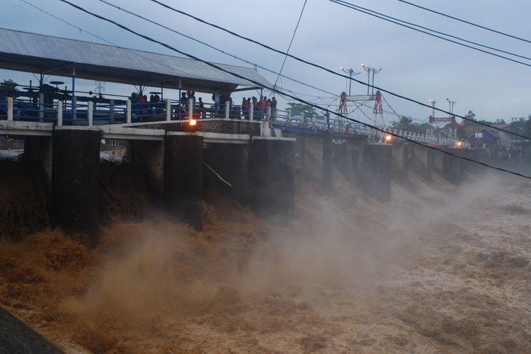 banjir, cikarang, bekasi, bogo, bendungan, katulampa