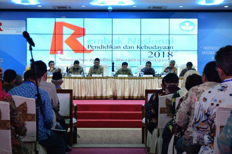 Menteri Pendidikan dan Kebudayaan Muhadjir Effendy pada acara Rembuk Nasional Pendidikan dan Kebudayaan 2018 di  di Pusat Pendidikan dan Pelatihan Pegawai Kemendikbud, Depok, Jawa Barat, 5 hingga 8 Februari 2018.