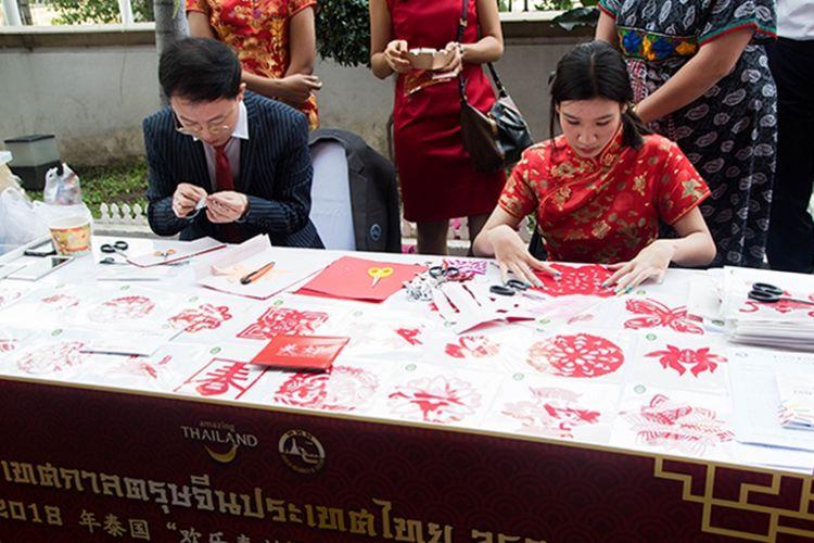 Merayakan Tahun Baru Imlek di Thailand.