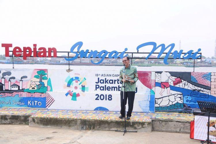 Wali Kota Palembang Harnojoyo saat meresmikan kampung mural.