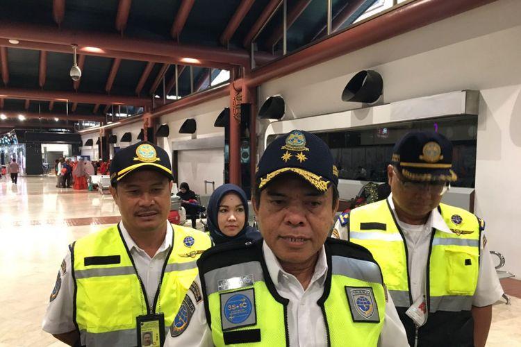 Dirjen Perhubungan Udara Kementerian Perhubungan Agus Santoso saat meninjau Terminal 2 Bandara Soekarno Hatta, Kamis (15/2/2018)
