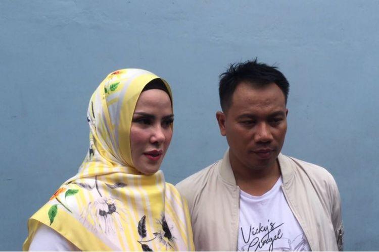 Angel Lelga dan Vicky Prasetyo dalam wawancara di Studio TransTV, Mampang, Jakarta Selatan, Selasa (20/2/2018).