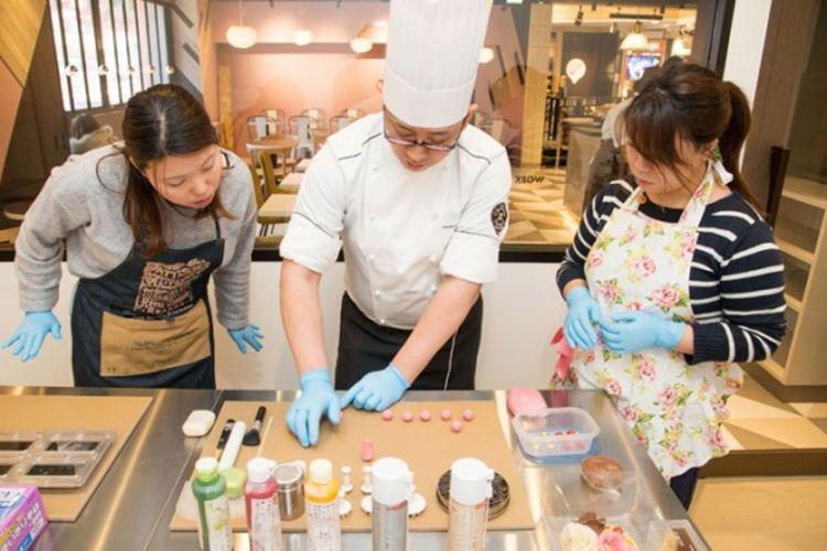 Belajar cokelat di ?Yokohama Chocolate factory & museum?
