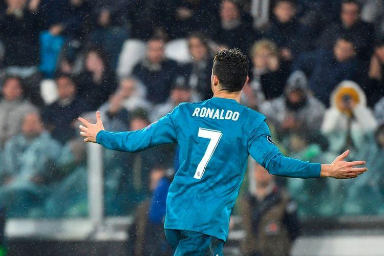 Cristiano Ronaldo merayakan gol Real Madrid ke gawang Juventus pada pertandingan perempat final Liga Champions di Stadion Allianz, Turin, Selasa (3/4/2018).