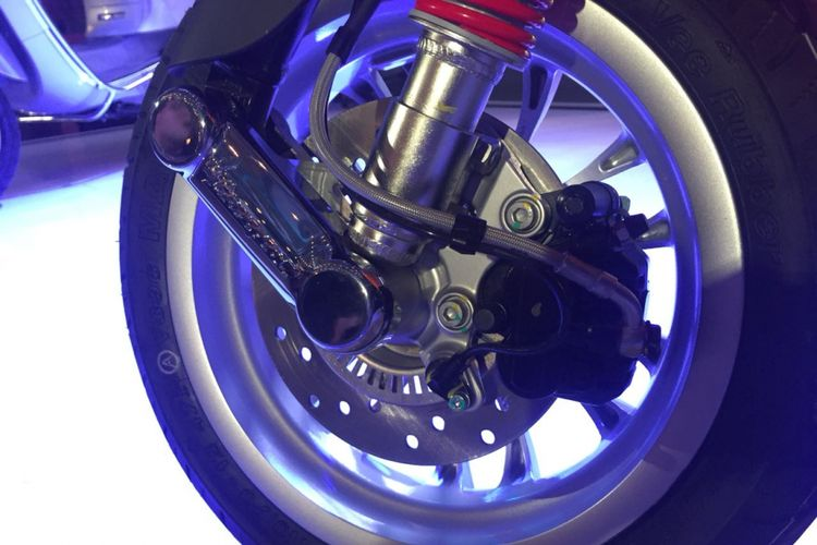 ABS (Anti-lock Braking System) pada Vespa Sprint.