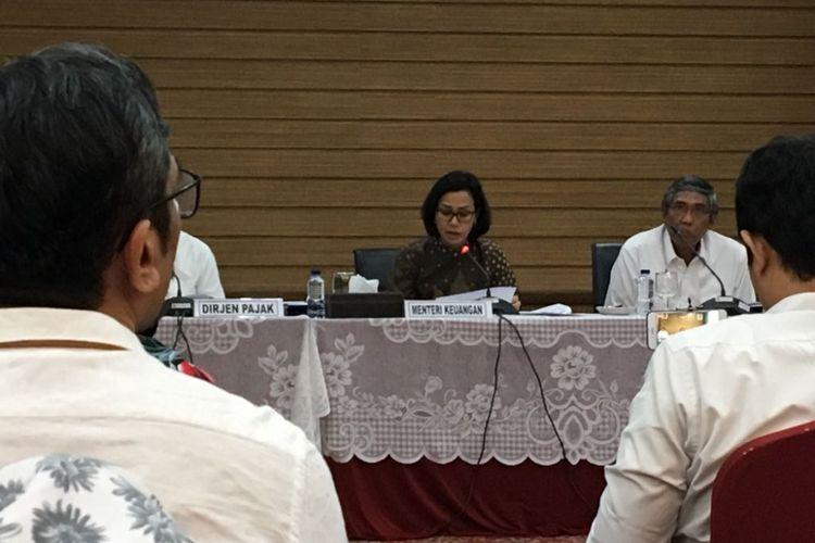 Menteri Keuangan Sri Mulyani Indrawati saat menggelar konferensi pers realisasi APBN 2018 kuartal I 2018 di Kementerian Keuangan, Jakarta Pusat, Senin (16/4/2018).