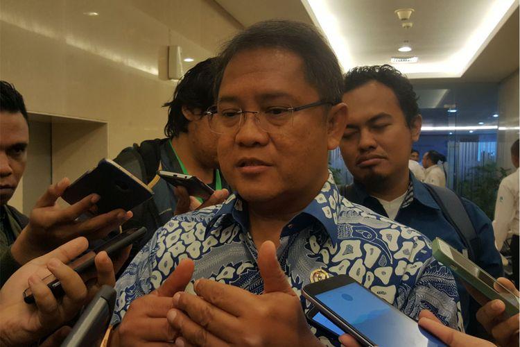 Menteri Komunikasi dan Informatika RI, Rudiantara saat ditemui usai konferensi pers di Menara Merdeka, Jakarta, Senin (16/4/2018).
