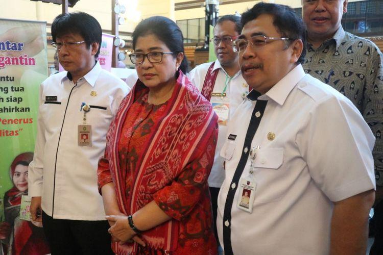 Penjabat Gubernur Kalimantan Barat Dodi Riyadmadji bersama Menteri Kesehatan Nila F Moeloek saat menghadiri Rapat Kerja Kesehatan Daerah (Rakerkesda) Kalbar di Hotel Kapuas Palace, Rabu (18/4/2018).