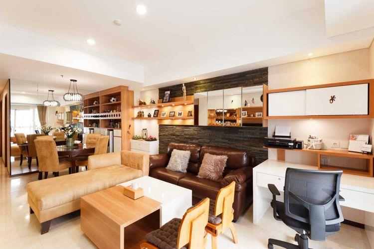 Konsep open-plan menghadirkan ruang yang terkesan lebih luas.