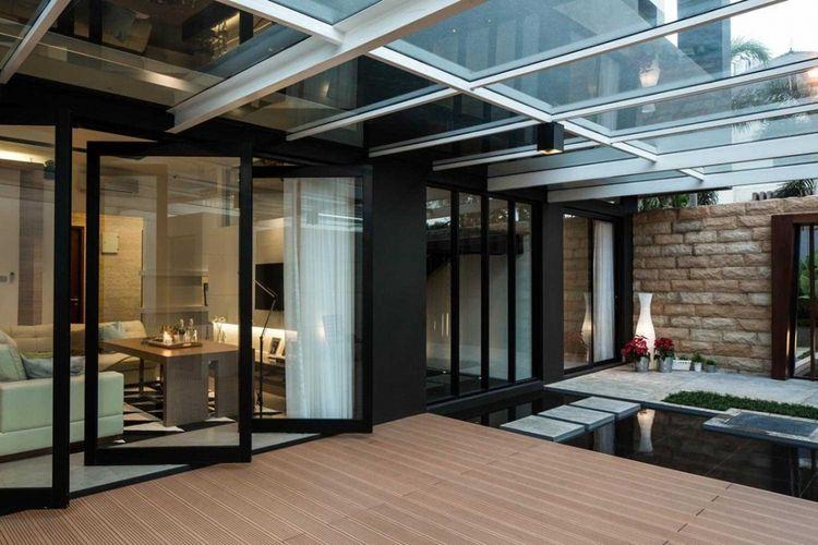 Jendela rumah minimalis  S+I House di Jakarta karya DP+HS Architects.