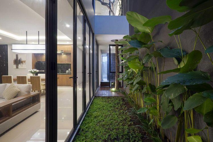 Jendela rumah minimalis  S house di Surabaya karya Simple Projects Architecture.