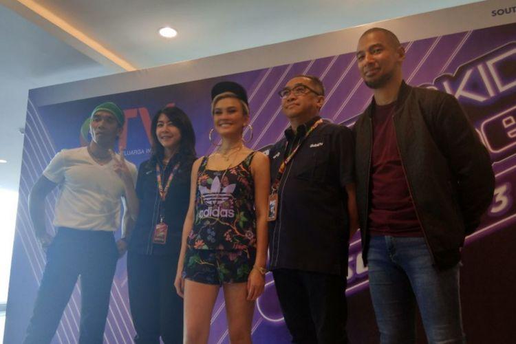 Agnez Mo bersama Kakak Slank dan Marcell Siahaan dalam jumpa pers The Voice Kids Indonesia (TVKI) 3 di MNC Tower, Jakarta Barat, Senin (14/5/2018).