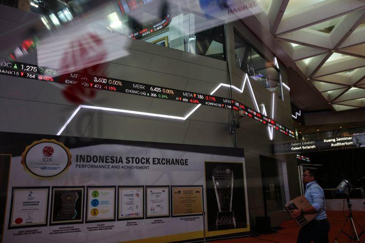 Suasana Pergerakan Indeks Harga Saham Gabungan (IHSG) di Bursa Efek Indonesia (BEI), Jakarta, Senin (21/5/2018).