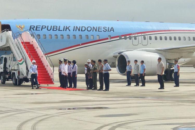 Presiden Joko Widodo saat di Bandara Kertajati, Jawa Barat, Kamis (254/5/2018).