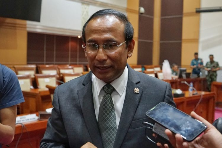 Wakil Ketua Komisi I DPR Satya Widya Yudha saat ditemui seusai rapat dengan Panglima TNI Marsekal Hadi Tjahjanto, di Gedung Nusantara II, Kompleks Parlemen, Senayan, Jakarta, Kamis (24/5/2018).