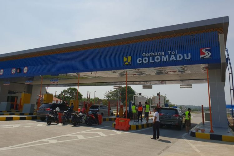 Gerbang Tol Colomadu.